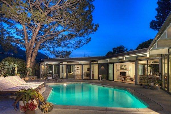 Ellen DeGeneres Buys Back her Old Home in Nichols Canyon!