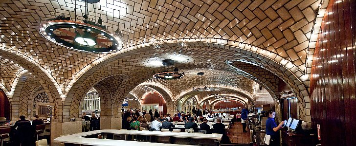 The Best Century-Old Restaurants in NYC