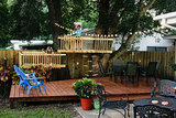 DIY Tree Forts and Deck Bring Out the Neighborhood Kids (6 photos)