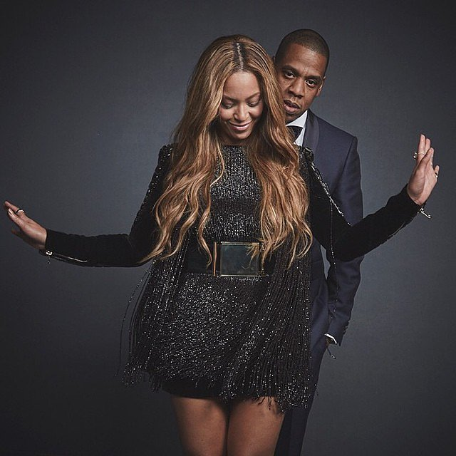 Beyoncé and Jay Z stood for a sweet photo shoot backstage at the Grammys in 2015.