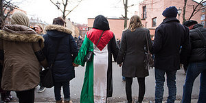 "Hundreds Of Norwegians Circle Oslo Mosque In 'Peace Ring,"" Showing Everyone What It Truly Means To Love Your Neighbor"