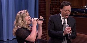 WATCH: Kelly Clarkson And Jimmy Fallon Sing All Your Favorite Duets