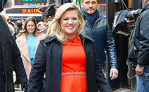 British Journalist Not Sorry for 'Fat-Shaming' Kelly Clarkson