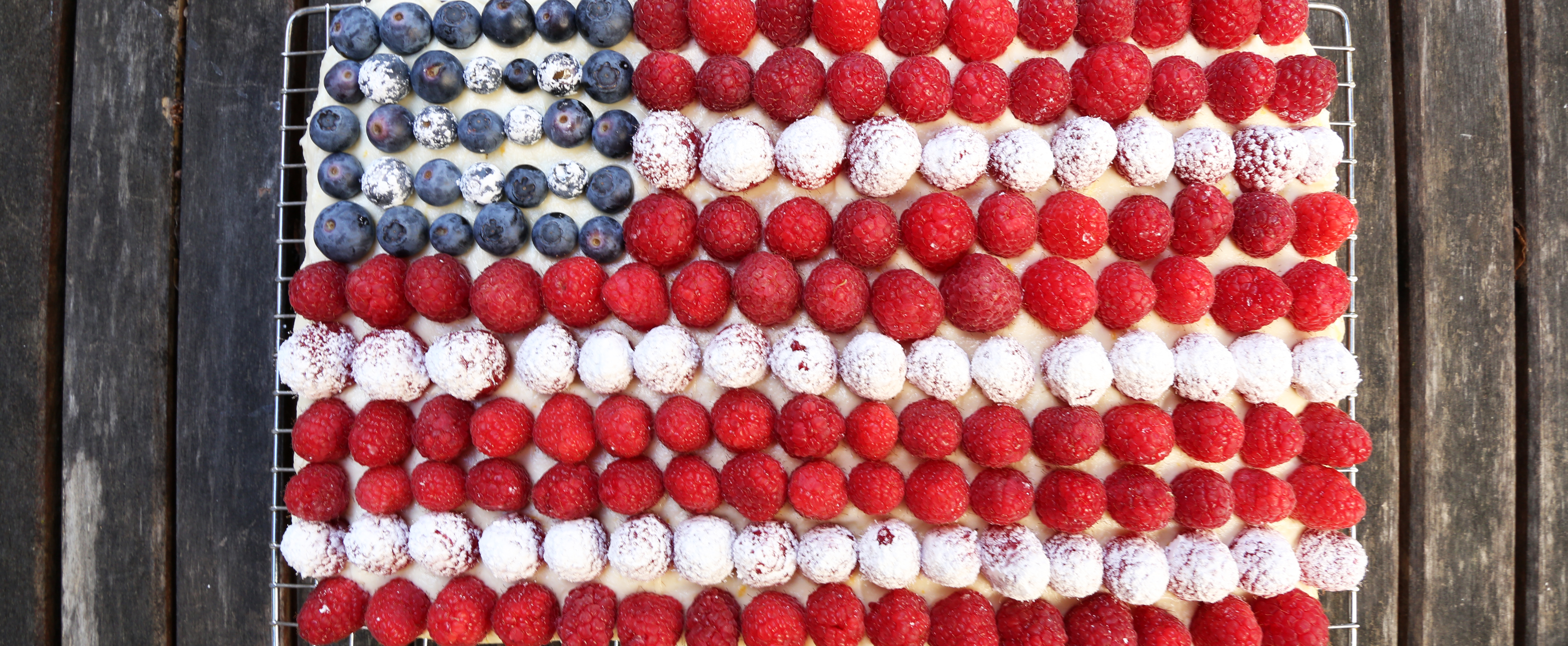 A Flag Cake Has Never Looked So Simply Spectacular