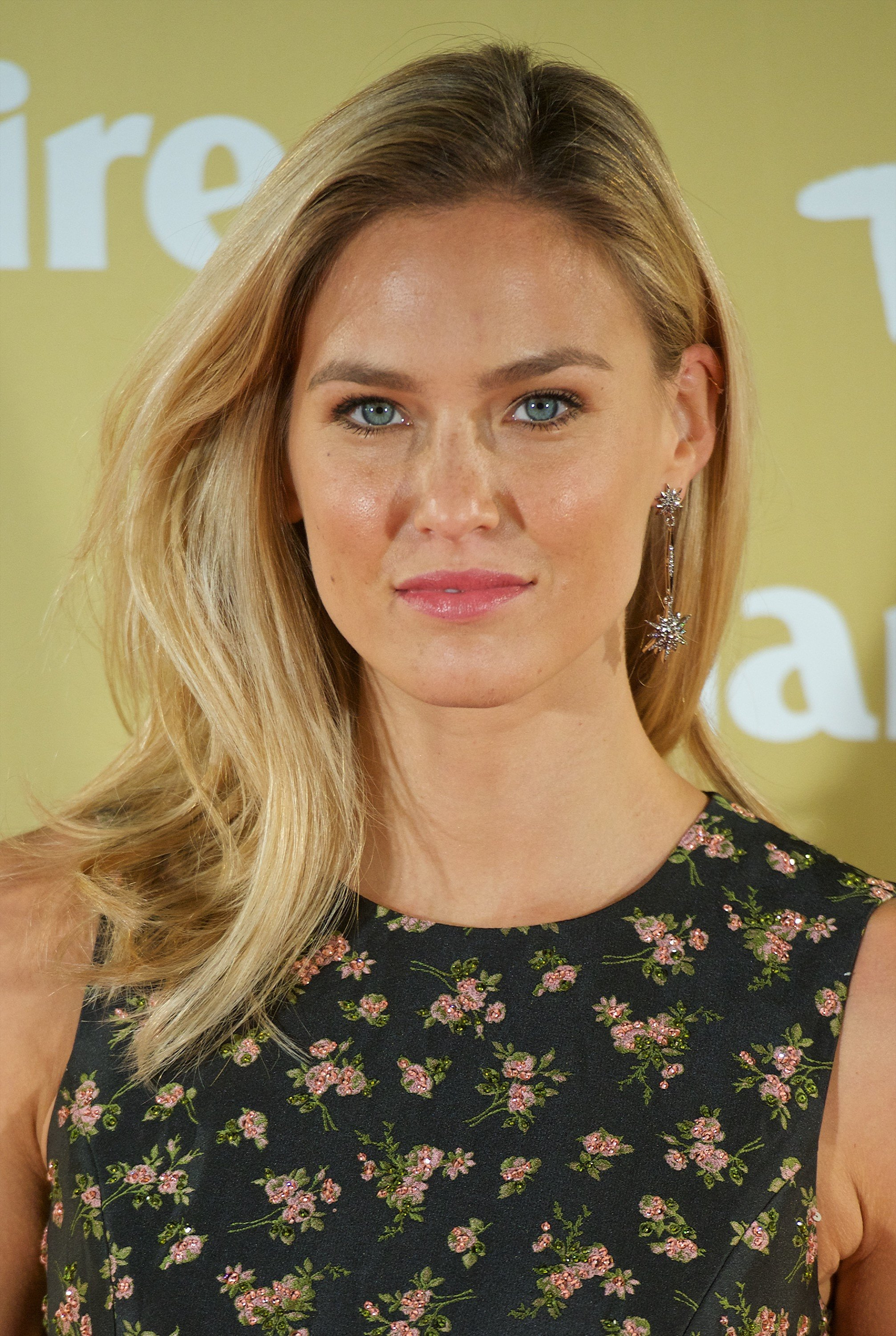 Bar Refaeli | 17 Celebrities Who Will Make You Love Your Freckles Even ...