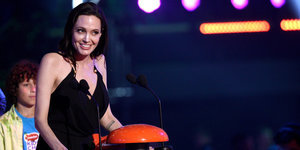 Angelina Jolie Gives Powerful Speech At Kids' Choice Awards: 'Different Is Good'