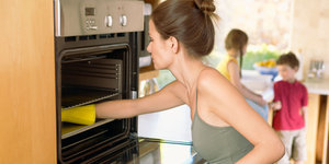 Green Cleaning Tips: How To Clean Your Home Using Baking Soda And White Vinegar