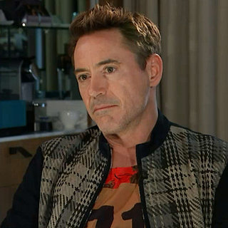 Robert Downey Jr. Part en Plein Milieu D'une Interview