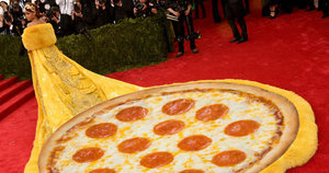 Rihanna's Met Gala Dress Made Everyone Think Of Pizza