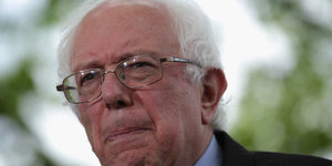 Bernie Sanders Hires Former Obama Aides After Raising $3 Million In Four Days
