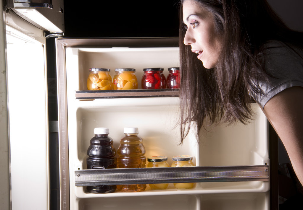 Your Brain Is Wired to Love Late-Night Snacks