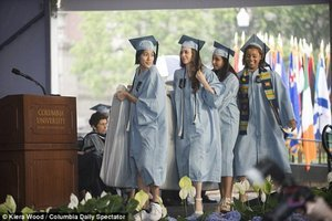Columbia Student Carries Rape-Protest Mattress at Graduation