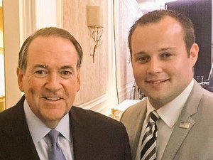 Mike Huckabee Reaffirms Support for Duggar Family After Josh Duggar Accused of Child Molestation