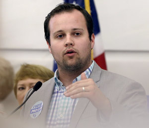 TLC Pulls 19 Kids and Counting From Schedule After Josh Duggar Molestation Allegations