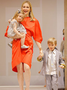 Kelly Rutherford Granted Sole Custody of Her 2 Children