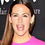 Jennifer Garner's no-nonsense approach to public tantrums