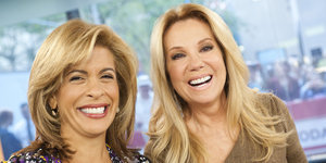 Moms Stage Nurse-In At The Today Show After Hoda Kotb's Controversial Breastfeeding Comment