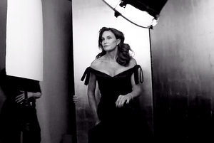 "Bruce Jenner Debuts as Caitlyn in Vanity Fair's Behind-the-Scenes Video: ""I'm Free"""