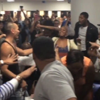 The Lion King and Aladdin Casts Had an Epic Sing-Off at the Airport