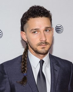 Shia LeBeouf freestyle rapping