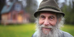 Burt Shavitz, Co-Founder Of Burt's Bees, Dies At 80