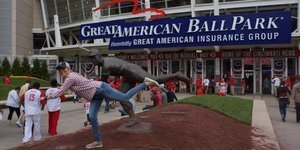 This Woman Is Going To Every MLB Ballpark, Carrying Out Her Mother's Unfinished Dream