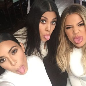 Pictures Kourtney Kardashian With Kim and Khloe After Split