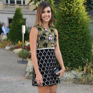 Jessica Alba Paris Fashion Week Style