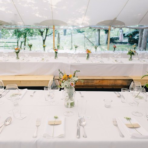 10 Tips For Pulling Off a Seamless Outdoor Wedding