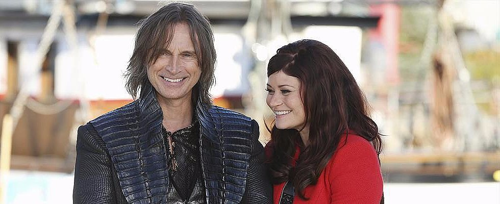 The Once Upon a Time Cast Explains Why Rumplestiltskin and Belle Are Fan Favorites