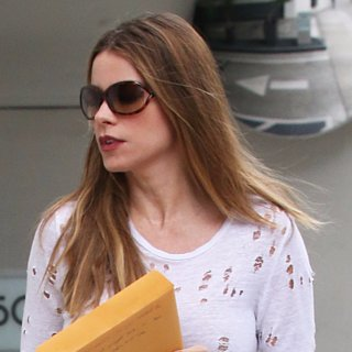 Sofia Vergara's Distressed Fashion Look