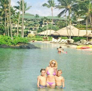 "Britney Spears & Sons: ""Aloha"""