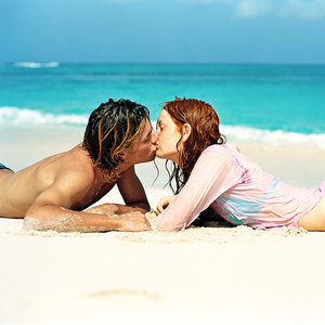 Your Safety Handbook for Hooking Up on Vacation