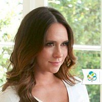 You won't believe what Jennifer Love Hewitt does during story time