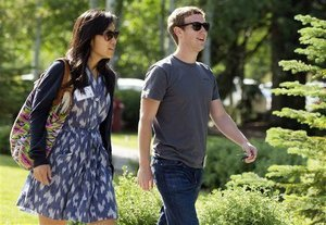 Poignant Note Reveals Baby Zuckerberg on the Way