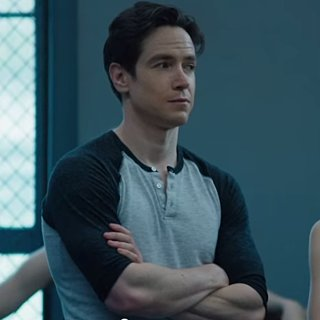 Sascha Radetsky From Center Stage Starring in Flesh and Bone