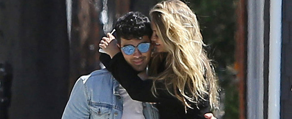 Gigi Hadid and Joe Jonas Show the Sweetest PDA After Partying at Kylie Jenner's Birthday