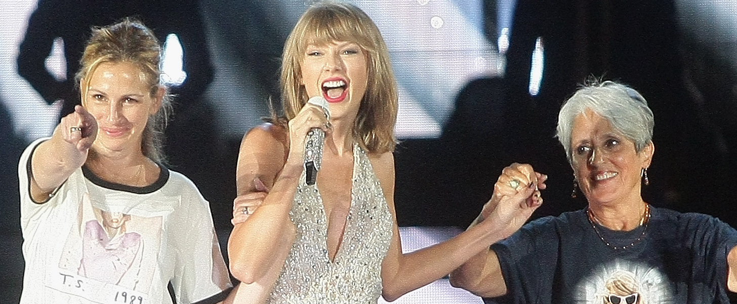 "Taylor Swift and Julia Roberts Team Up For a Sassy Performance of ""Style"""