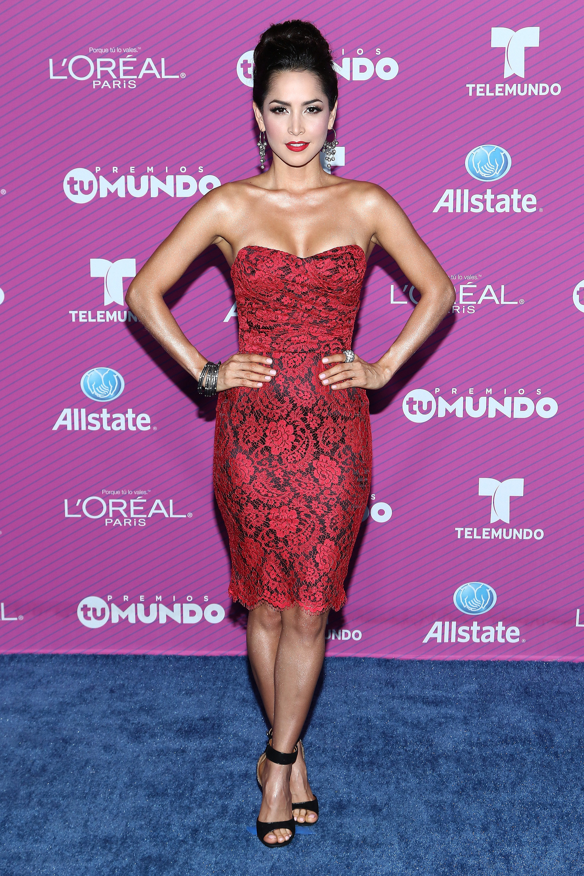 Carmen Villalobos See All The Style From The Blue Carpet