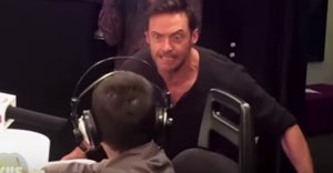 Hugh Jackman Surprises Fan With Cystic Fibrosis. Cue The 'Aww'