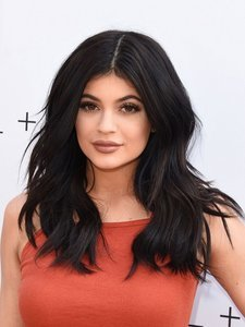 5 Reason Kylie Jenner Should Get Bangs, in Photos