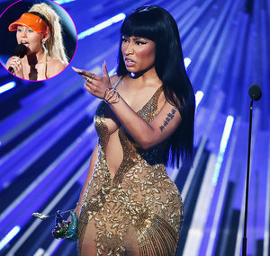 "Nicki Minaj Calls Out ""Bitch"" Miley Cyrus at 2015 VMAs After Diss: Video, GIF!"