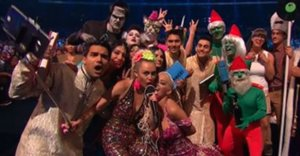 Miley Cyrus Attempts To Break Instagram At The 2015 VMAs