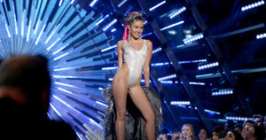 Miley Cyrus's VMAs Outfits, Ranked From Bad To Worse