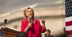 Hillary Clinton Backs Bill That Would Ban 'Golden Parachutes' For Wall Street Bankers