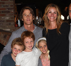 Julia Roberts and Cindy Crawford at Outerknown event with their families