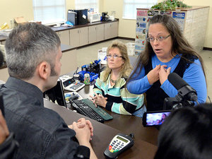 Transgender Couple Say They Got a Marriage License From Jailed Kentucky Clerk