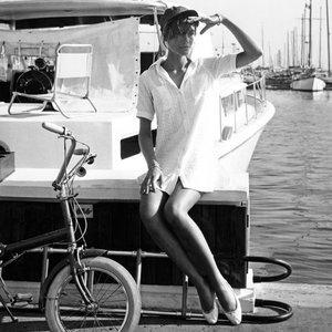 Style #TBT: Labor Day Chic à la Françoise Hardy