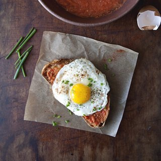Pan Con Tomate With a Fried Egg and Chives