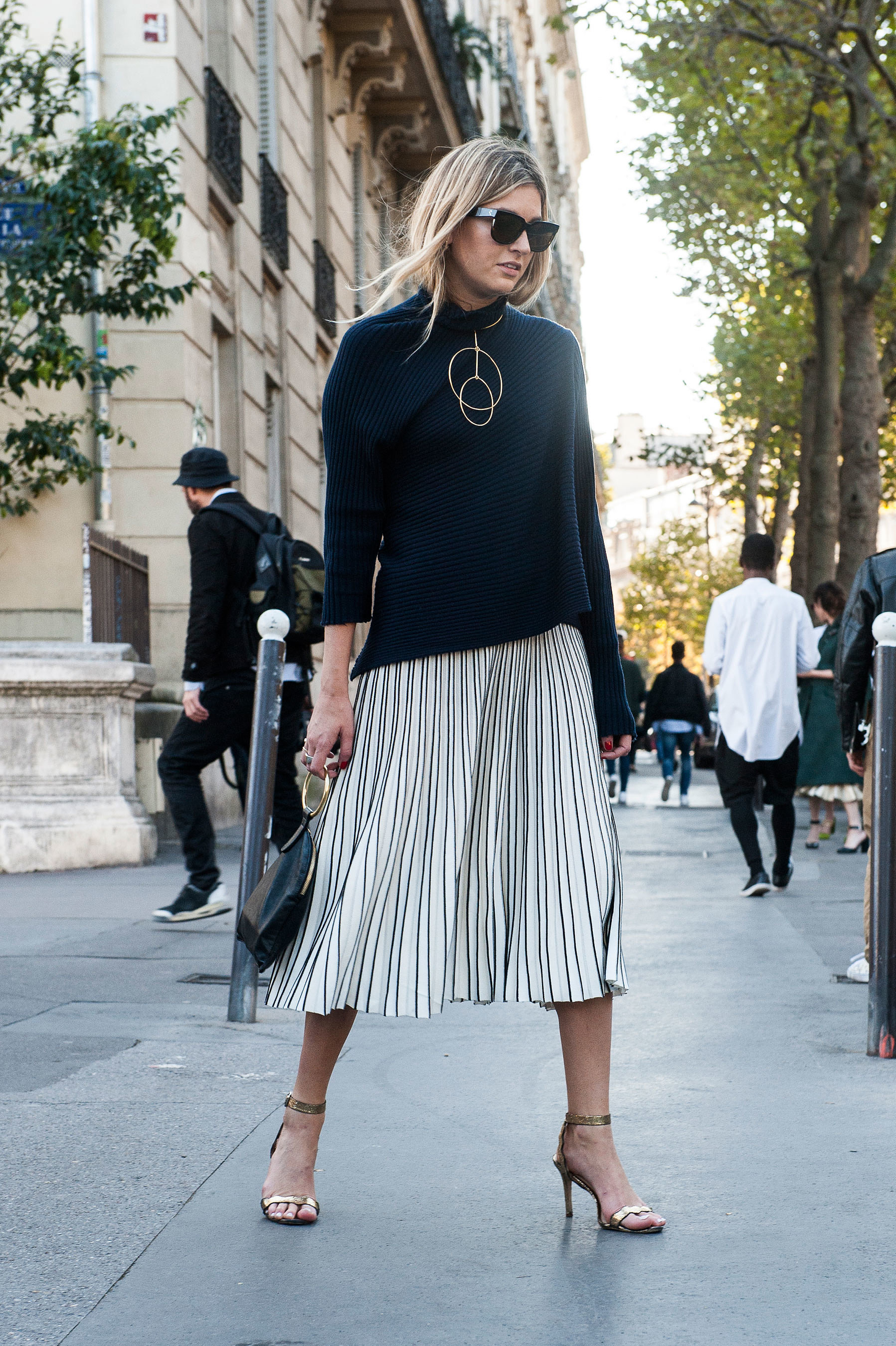 A Slouchy Top Midi Skirt And Heels Combo Is The